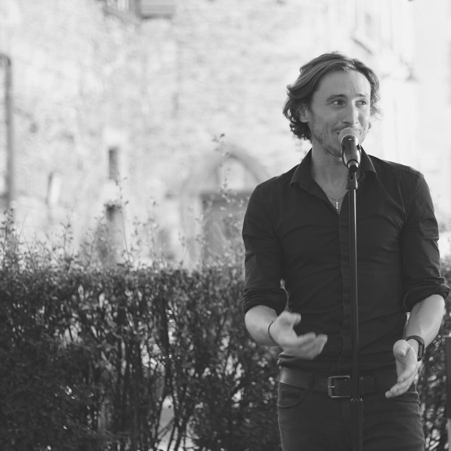 Allan Vermeer en concert de variétés françaises et internationales
